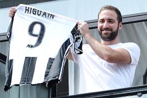 Insólita promoción: Restaurante de Nápoles venderá pizzas a sólo un euro si Higuaín se lesiona en la Juventus