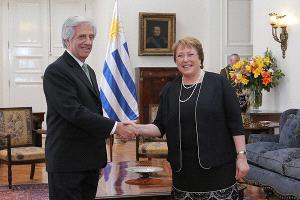 """Gobierno uruguayo firmará en septiembre TLC de """"última generación"""" con Chile"""
