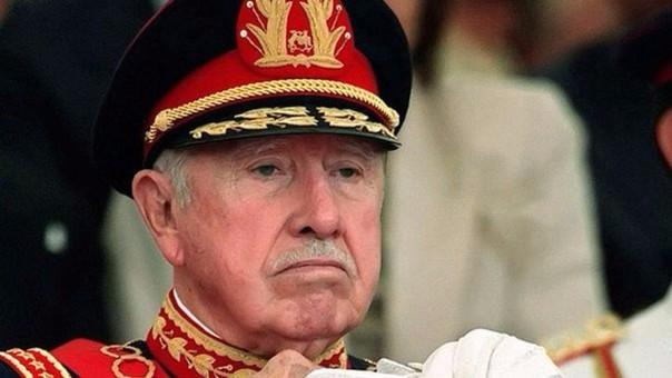 Condenan a exagentes de Pinochet que torturaron a mujeres