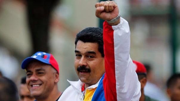 """""""El referéndum revocatorio en Venezuela está legalmente muerto""""; firmaron 10.995 fallecidos"""
