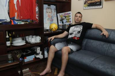 Un año después de ser baleado, Alexis Viera dice que no volverá a Uruguay porque es caro y lo matan los impuestos