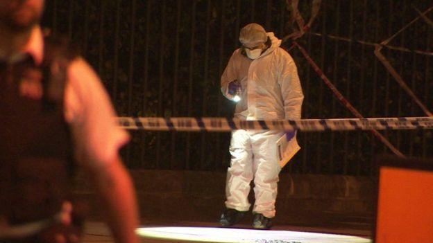 Una estadounidense muerta y cinco heridos en un ataque con cuchillo en Londres