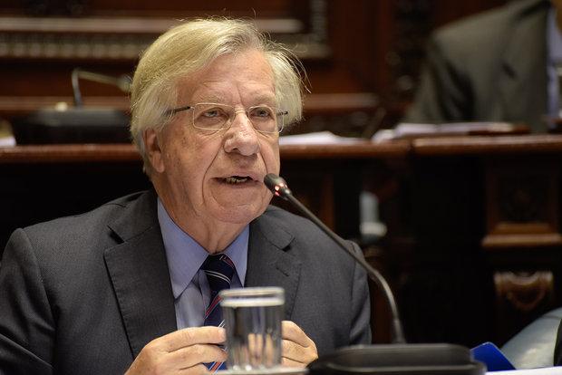 """Astori enumeró """"señales positivas"""" de recuperación económica en Uruguay"""