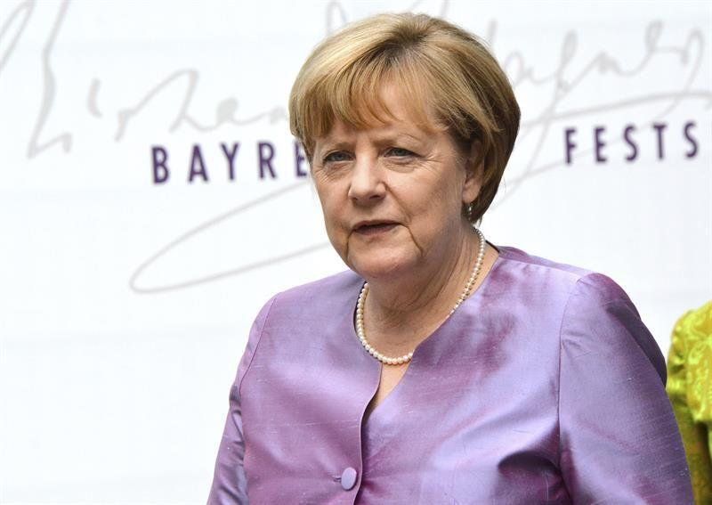 Merkel pierde respaldo popular de forma notable tras los dos ataques yihadistas en Alemania