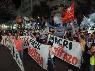 """""""Ruidazo"""" en Argentina contra Macri"""