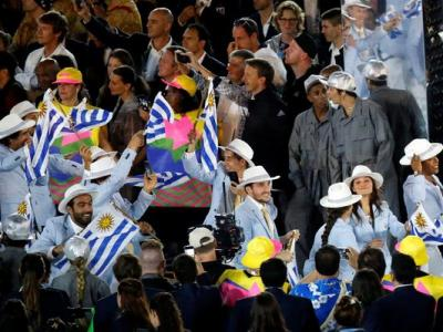 La delegación uruguaya y su desfile por el Maracaná