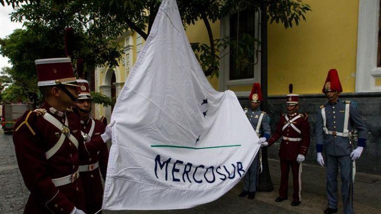 Venezuela izó bandera del Mercosur y ratificó presidencia
