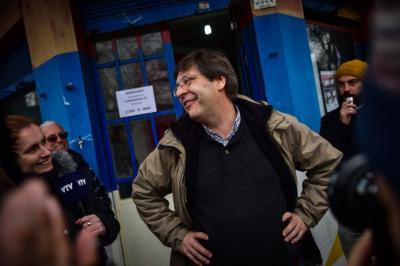 """Javier Miranda, """"embolado con la prensa"""", comienza a negociar """"gobernabilidad"""" con el Frente Amplio"""