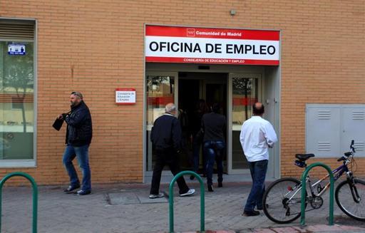 Los desocupados desde hace más de 2 años alcanzan los 1,12 millones en España