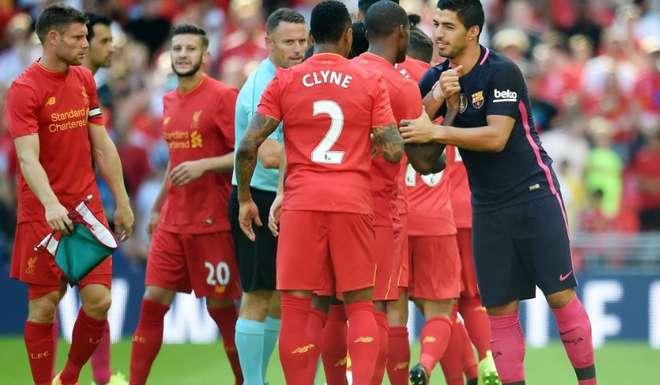 Barcelona goleado por Liverpool; hinchas ingleses ovacionaron a Luis Suárez