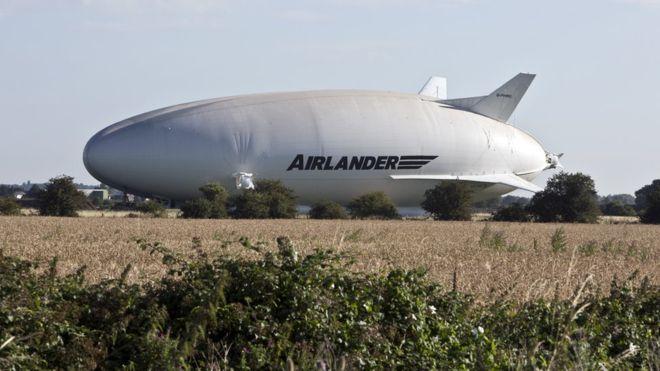El primer paseo del Airlander 10, el objeto volador más grande del mundo