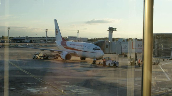 "Avión ""desaparecido"" aterrizó de emergencia en Argel"