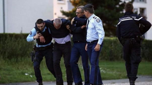 Tiroteo con fusil de guerra en Marsella dejó 2 muertos
