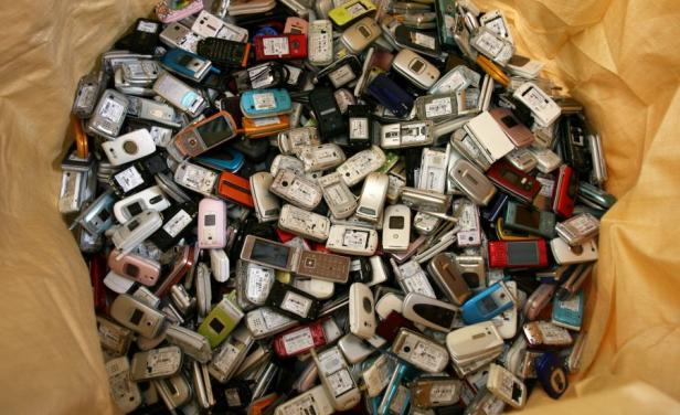 En Uruguay bloquean 6.000 celulares por mes por denuncias de robo o extravío