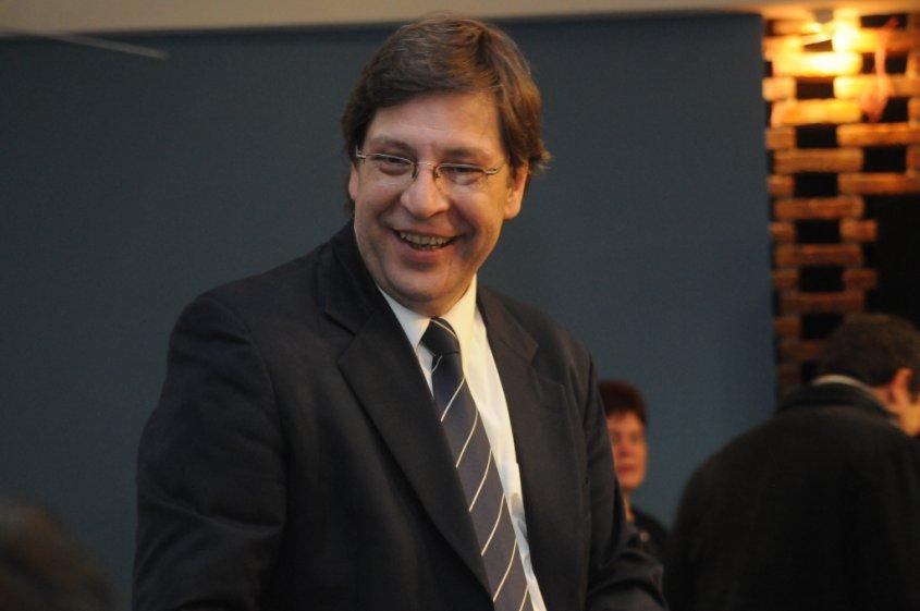 Javier Miranda se remangó y ya inició contactos para fortalecer estructura del Frente Amplio