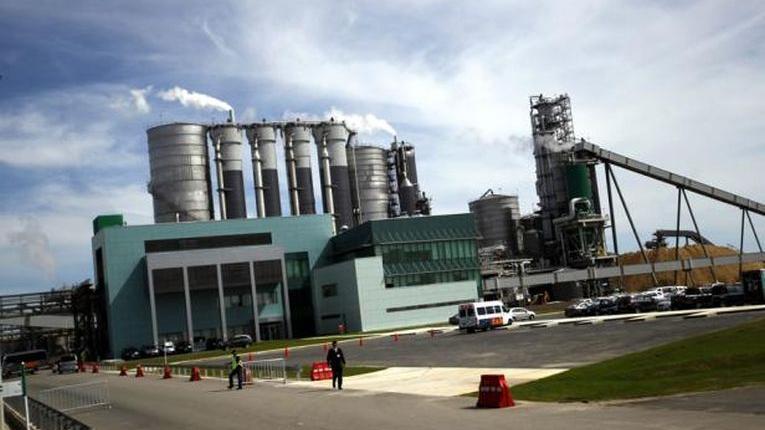 Gobierno define detalles sobre instalación de tercera planta en Uruguay