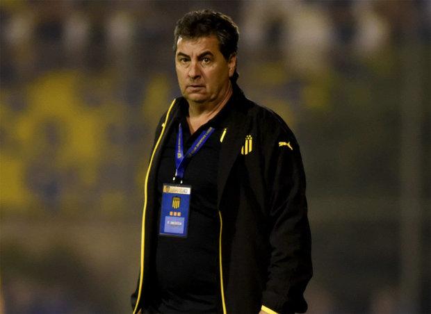 """Da Silva: """"conforme"""" con Peñarol ante Luqueño, aunque """"hay que mejorar"""""""