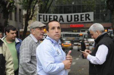Dourado se desespera con Uber