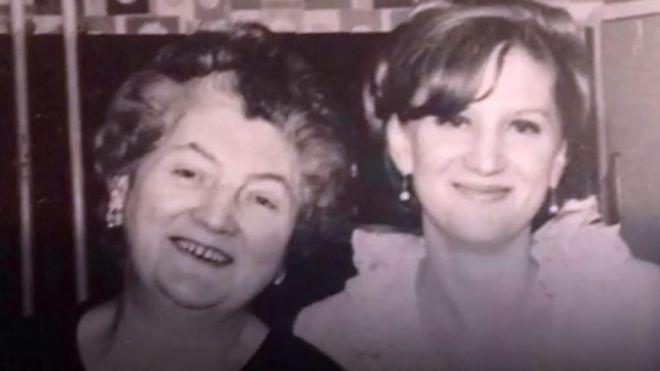 La mujer que sobrevive con un riñón de 100 años donado por su madre
