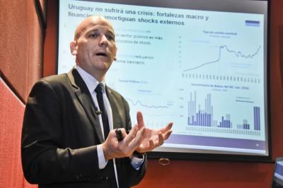 Hay señales en la región positivas para Uruguay, según economista de derecha