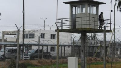 Asesinan a recluso en Penal de Libertad y un presa se prende fuego en Colón