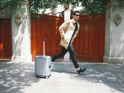 La maleta que te sigue como un perrito