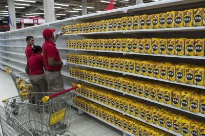 Maduro ordena intervenir militarmente los mercados municipales del país