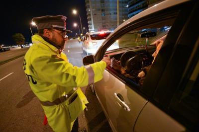 Habrá licencia única y las multas de tránsito tendrán los mismos precios en Uruguay