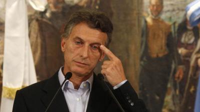 Abuchean, insultan y tiran piedras a Mauricio Macri durante acto público en Mar del Plata