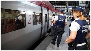6 heridos en un ataque con líquido inflamable y cuchillo en tren en Suiza