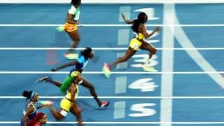 En mpactante carrera de los 100 metros se coronó la mujer de Jamaica más veloz del planeta