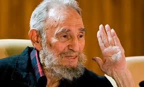 Fidel Castro evoca enemistad con EE.UU. y critica a Obama en su cumpleaños 90