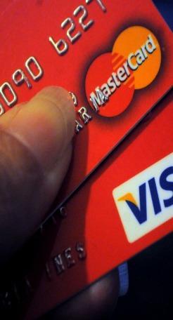 Creció 69% uso de tarjetas de débito en Uruguay