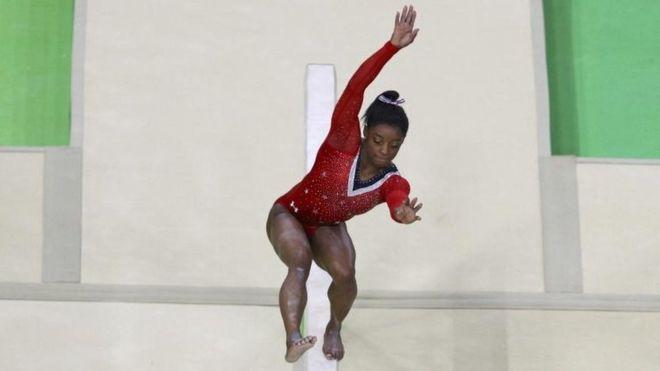 Simone Biles perdió el equilibrio y el sueño de conseguir 5 medallas de oro en las Olimpiadas de Río