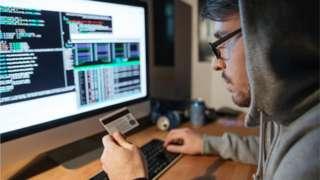 Especialista en seguridad hackea al los hackers que trataron de estafar a sus padres