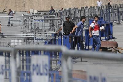 13.000 funcionarios turcos deben devolver los salarios de los últimos seis años