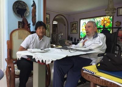 """Evo Morales en La Habana con un Fidel Castro """"lúcido como siempre"""""""