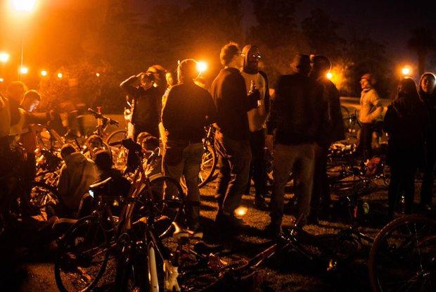 Buscan a salvaje automovilista que atropelló a varios ciclistas de Masa Crítica en El Prado