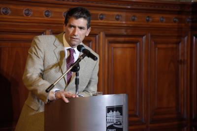 """""""Talenteo y oportunismo"""" de Mieres"""" contra Sendic"""