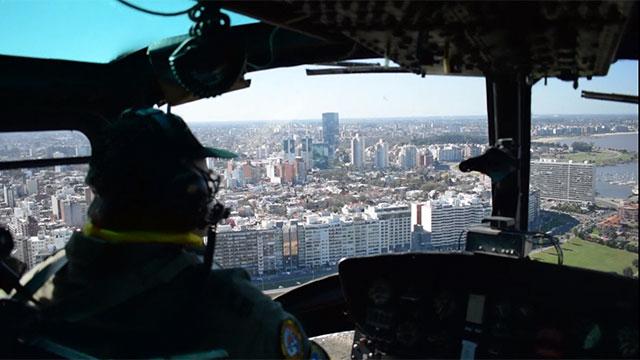Comandante de la Fuerza Aérea voló en helicóptero en señal de apoyo y ánimo a los subalternos