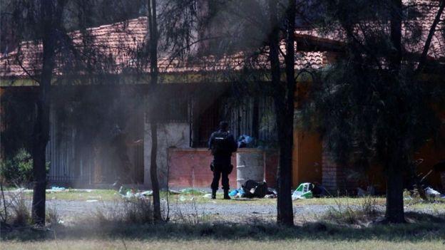 """México: acusan a Policía Federal de ejecutar """"arbitrariamente"""" a 22 personas"""