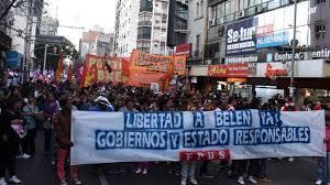 Liberaron a joven mujer argentina tras 2 años de cárcel a raíz de un aborto espontáneo