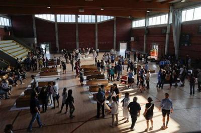 Foto escalofriante....Italia celebra un funeral de Estado por víctimas del sismo