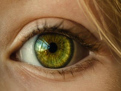 Descubren un nuevo movimiento del ojo humano