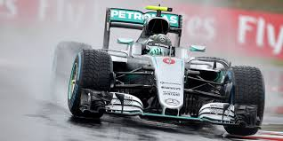 Rosberg se queda con la pole y Verstappen deslumbra