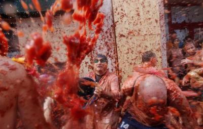 La Tomatina, una guerra del tomate convertida en reclamo internacional