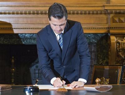 La Universidad Panamericana de México admite el plagio del presidente Peña Nieto