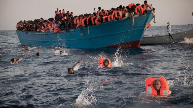 Impactante: 6.500 migrantes rescatados en un mismo día en aguas del Mediterráneo