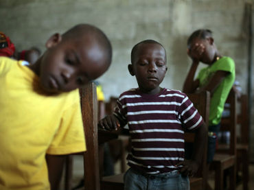 Falta de fondos obliga a ONU a cortar alimentación de niños africanos