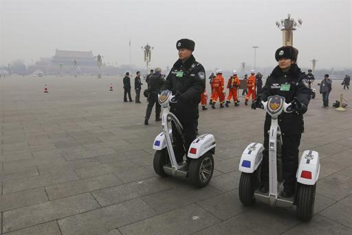 Pekín prohíbe que monopatines eléctricos y segways circulen por sus calles